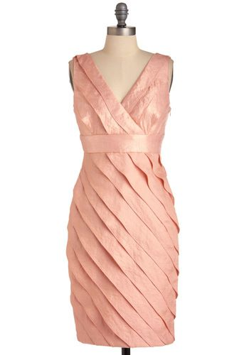 In love with this peach-hued chiffon dress!