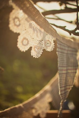 Rustic tweed & lace bunting tutorial