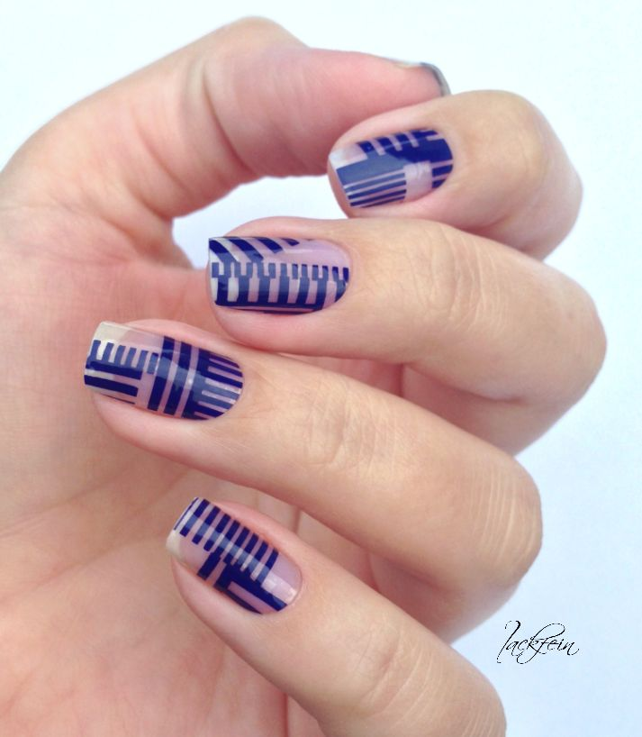 Detailed negative space nails