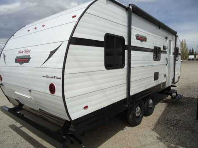 2016 New Retro 195 Travel Trailer in Colorado CO.Recreational Vehicle, rv, 2016 Retro 195, Holiday RV in Poncha Springs, CO is your small town dealer with big city selection. Call us at 719-539-3577 for the best price and service!