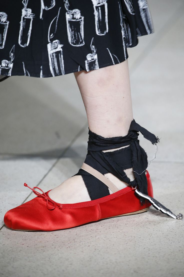 Miu Miu Spring 2016 Ready-to-Wear Accessories Photos - Vogue