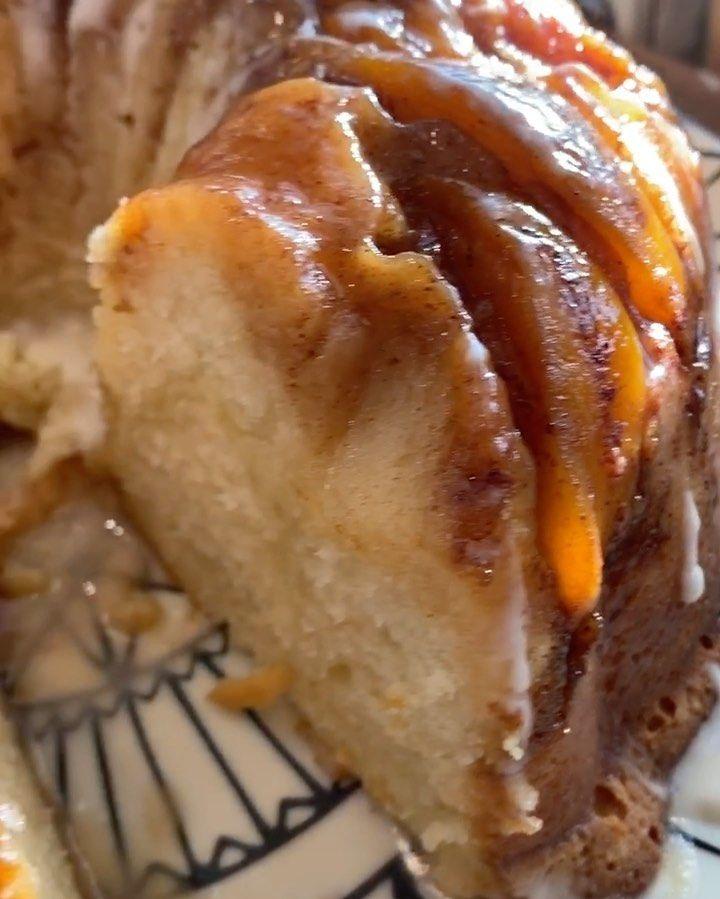 Darius Williams On Instagram So I Baked A Peach Cobbler Cream Cheese Pound Cake The R In 2020 Peach Cobbler Cheesecake Recipe Peaches Cream Cheese Bunt Cake Recipe