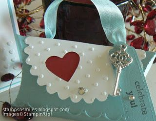Stampin' Up!  Pillow Box Purse  Penny Smiley Once I figure this out I'll bet I think it's really cool!!