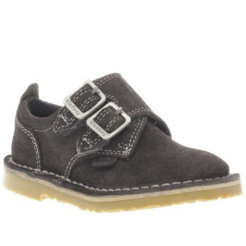 Kickers Grey Adlar Monk Unisex Toddler Teenie tiny trend setters can look as swish as the grown-ups, as Kickers serve up their Adlar Monk for toddlers. Crafted in grey suede, the kids shoe features faux buckle fastening thats actually a ho http://www.MightGet.com/january-2017-13/kickers-grey-adlar-monk-unisex-toddler.asp