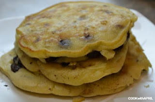 Chocolate Chip Banana Walnut Pancakes & Blueberry Pancakes from scratch! :D  http://youtu.be/lvLq1mS1aXA?hd=1: Chips Bananas, Homemade Chocolate Chips, Name, Blueberries Pancakes, Walnut Pancakes, Homemade Chocolates Chips, Blueberry Pancakes, Favorite Recipes, Bananas Walnut