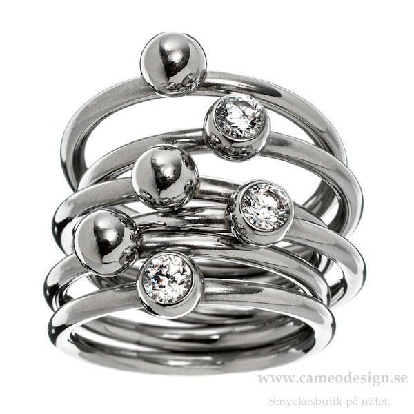 Ring från EDBLAD, 399 kr. http://www.cameodesign.se/edblad-ringar-r81-p-3777.html?manufacturers_id=16