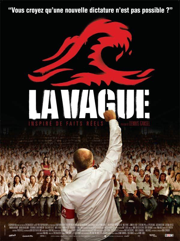 La Vague est un film de Dennis Gansel avec Jürgen Vogel, Frederick Lau. Synopsis : En Allemagne, aujourd'hui. Dans le cadre d'un atelier, un professeur de lycée propose à ses élèves une expérience visant à leur expliquer le fonctionn
