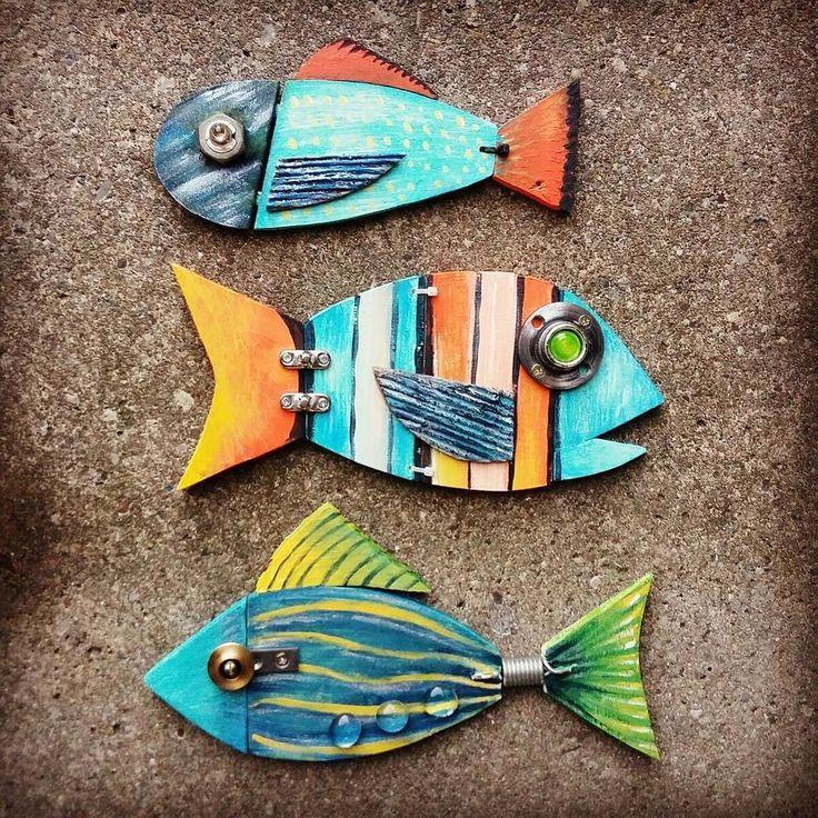 Love these little guys! sculptures by @anna_blanch_  #sculpture #salvage #salvageart #wallhanging #wallfeature #lostandfound #salvagesculpture #metalart #artistsofinstagram #artofinstagram #craftagram #instacraft #craftsman #craftattack  #makersgonnamake #createart #maker #creator #metalartist #metalsculpture #sculpting #sculpter #fish #fishsculpture #littlefishy #artsanity #artattack #unknown #embracetheunknown #theunknownemporium