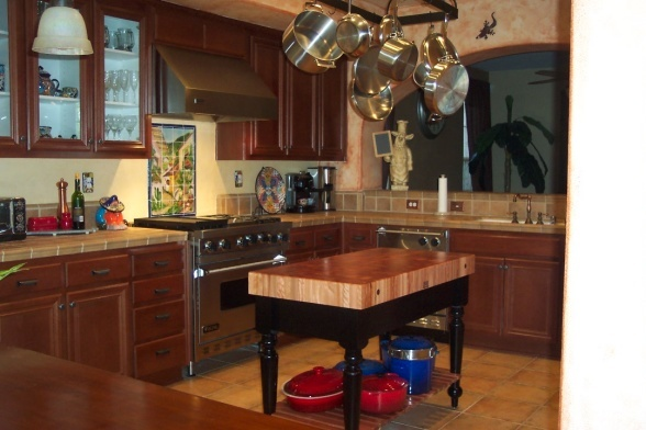 Updated spanish mexican themed kitchen spanish for Mexican themed kitchen ideas