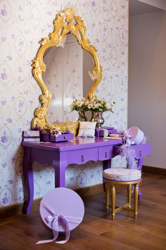 Princess Nely dressing table