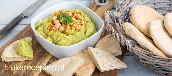 Snelle en gezonde dip van kikkererwten en avocado