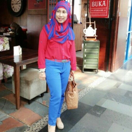 Hijab Red and Blue