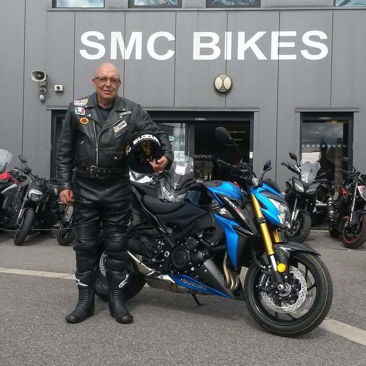 Garth with his brand new #Suzuki #GSXS1000 thanks again pal enjoy the bike :) smcbikes.com 01142525454 http://ift.tt/2qmjdNP
