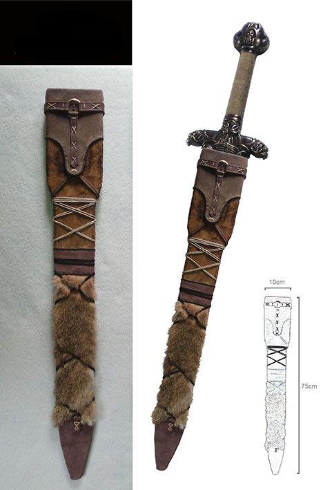 Vaina para espada Atlantean, Conan el Bárbaro, Escala 1/1  Vaina fabricada en cuero y piel, para la espada Atlantean, perteneciente a Conan el Bárbaro.