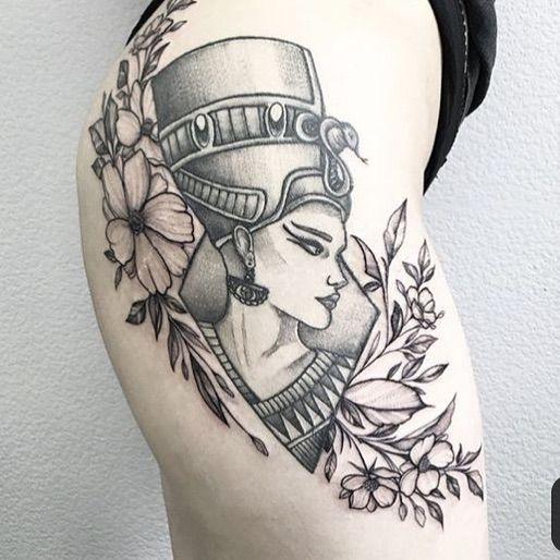 14 Small Tattoo Ideas Tatouage Feminin Tatouage Egyptien Tatouage