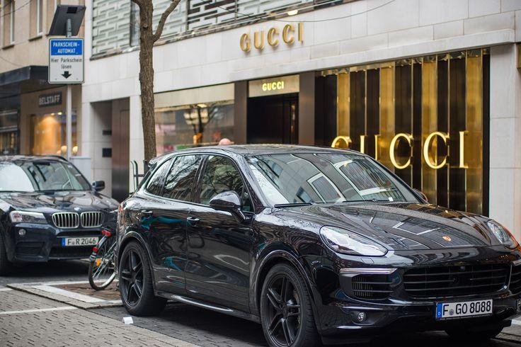 Porsche Bmw Gucci Store Frankfurt Germany Street