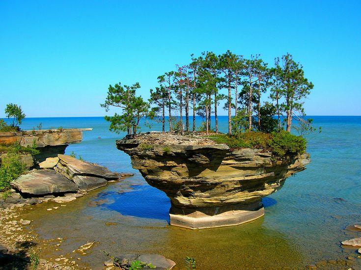 Lago Huron, no estado de Michigan/província de Ontário, USA/Canadá.