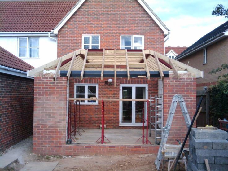 Today the framework for the roof was almost completed. All the timber is on, thefascia and soffits put on the side,