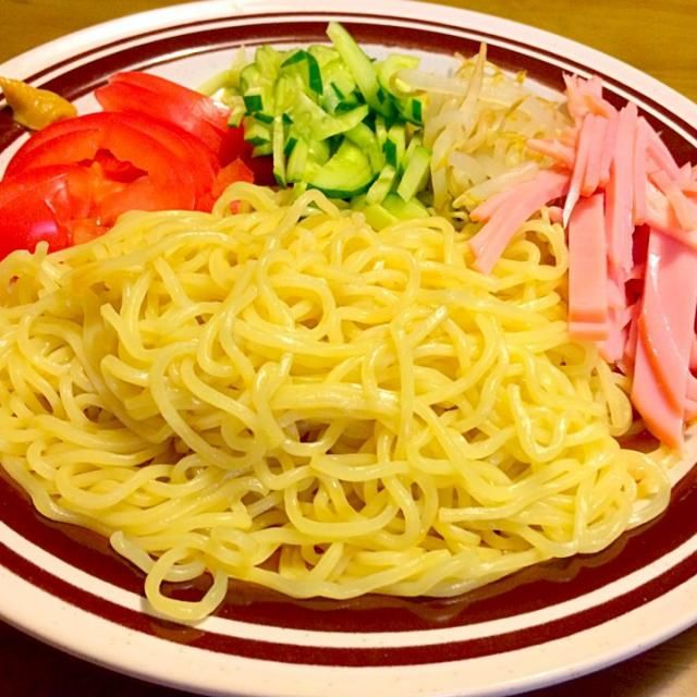 なんかアッサリ冷やし中華が食べたくて〜(≧∇≦) ダンナさまは嫌いなので別メニューを用意してありま〜すっ(≧∇≦) 2014.7.30 - 56件のもぐもぐ - 冷やし中華で夕食 by kazu347