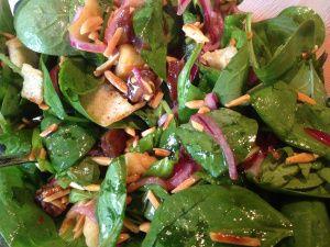Spinat-Dattel-Mandel Salat :)