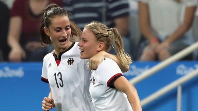2:2 gegen Australien | Rumpel-Tor rettet unsere Fußball-Mädels - Olympia 2016 - Bild.de