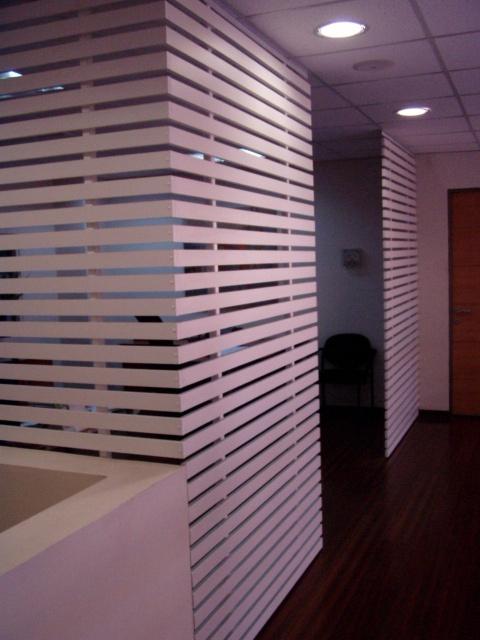 Zona segundo piso con separador de treillage.