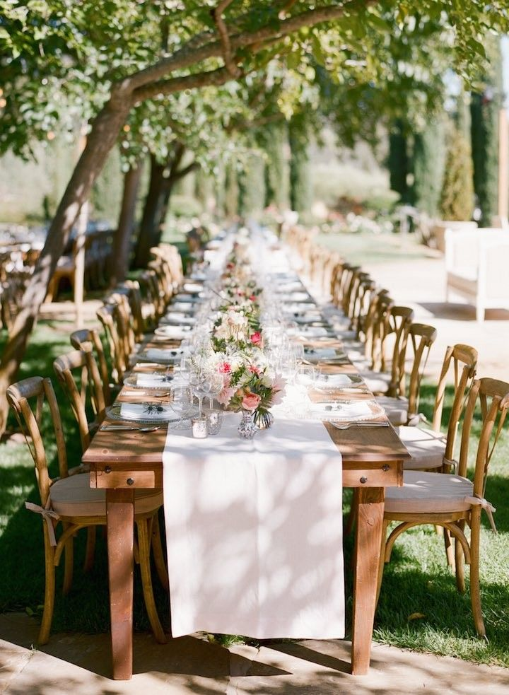 La Tavola Fine Linen Rental: Tuscany White Table Runner | Photographer: Sylvie Gil Photography, Wedding Planner: Kathy Higgins Weddings, Venue: Black Swan Lake, Florals: Kimberly Rose Floral Design