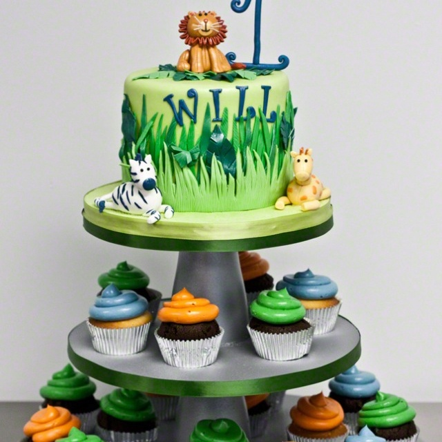 Cake Decorations Jungle Theme : 33 best images about Birthday Party Ideas - Rainforest ...