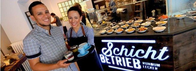 """Ex-Fußballprofi führt Dessert-Restaurant """"Schichtbetrieb"""" in Rüttenscheid"""