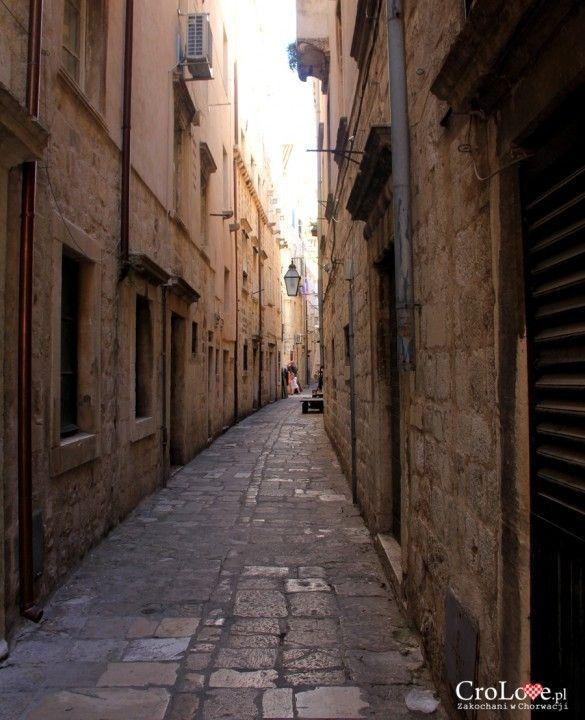 Ulica Dominika Zlatarićeva w Dubrowniku || http://crolove.pl/sredniowieczne-graffiti-w-dubrowniku/ || #Dubrownik #Dubrovnik #Chorwacja #Croatia #Hrvatska