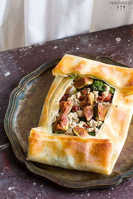 Phyllo pastry with figs, kale and tofu :: readeat.pl