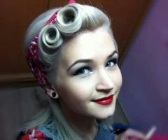 Pinup hair victory rolls | Hair and make-up