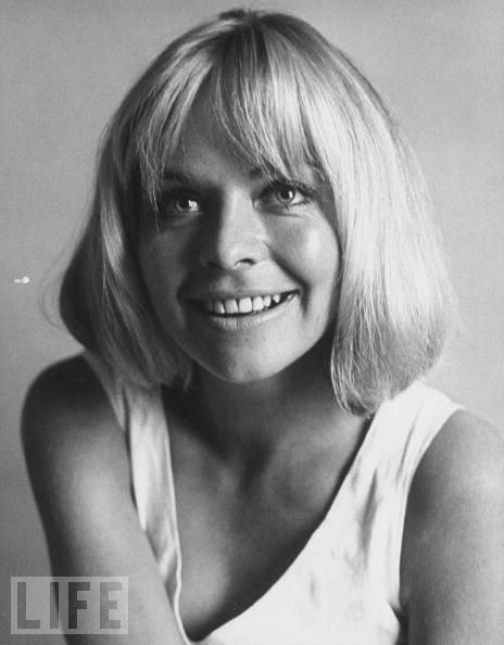 Susannah York (9 January 1939 – 15 January 2011), English film, stage and television actress.