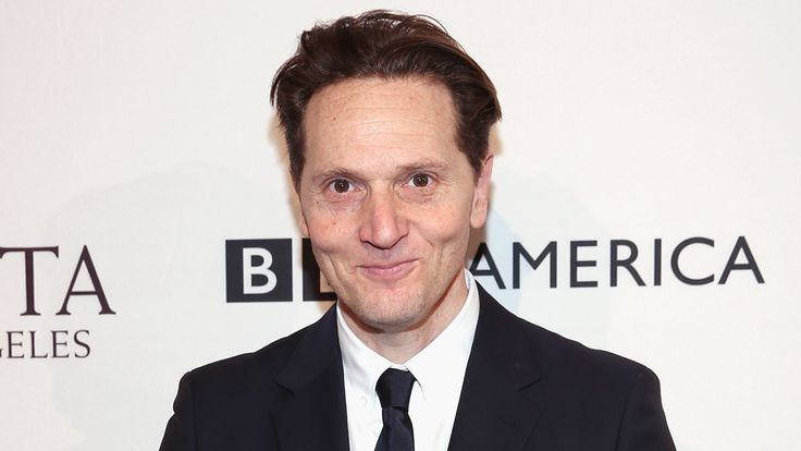 'Captain Fantastic' Director Matt Ross Tackling Sci-Fi Novel 'Tomorrow and Tomorrow'  Mark Gordon is producing with Entertainment 360 and Lynette Howell Taylor.  read more