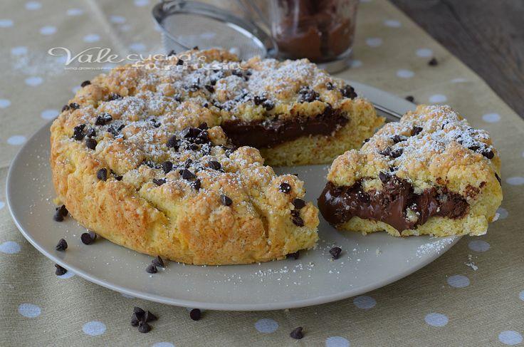 Sbriciolata con nutella e gocce di cioccolato,un dolce facile e veloce, con la nutella che resta morbida e non brucia in cottura, golosissima.