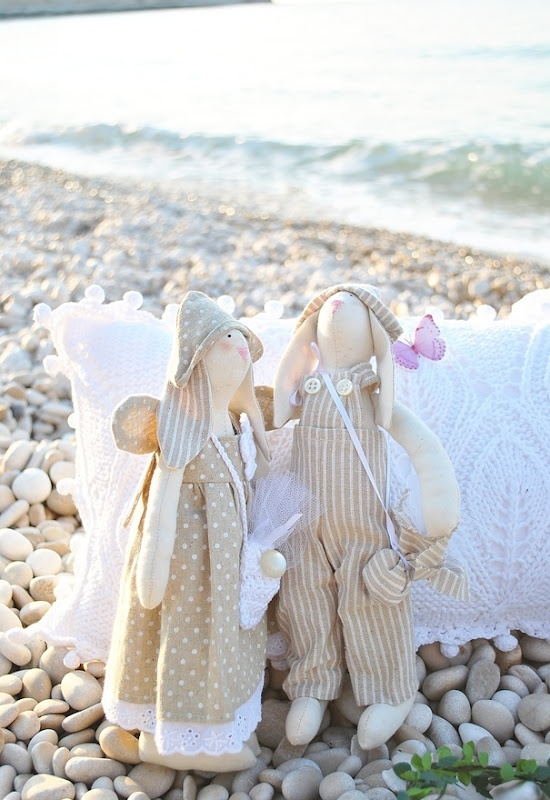 beige beachy bunnies....luv!