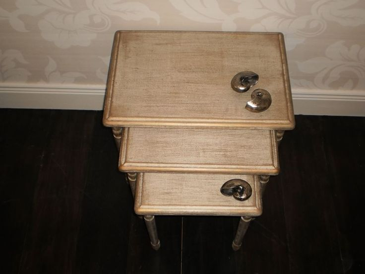 Set of little table Handpainted with gold and aging colour tecnique