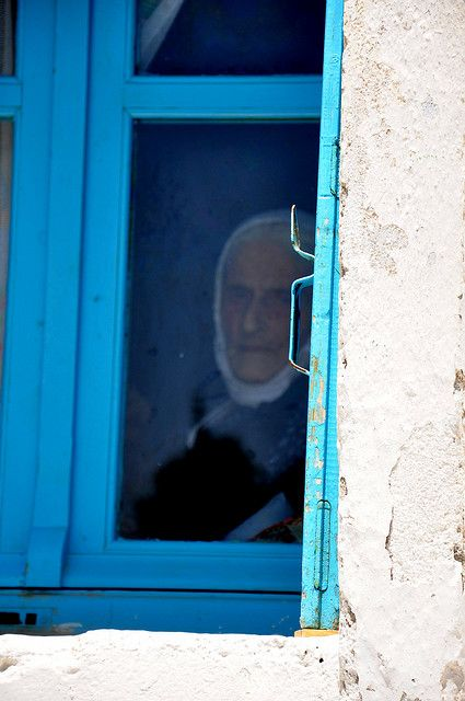 This is my Greece | Old woman in the Chora of Amorgos island