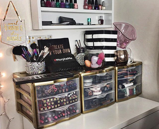 Reorganizing my foolery! I sprayed painted my sterilite drawers using krylon Foil metallic Gold. This spray is waaaaaaay better than their metallic version! Cute and budget friendly! #makeupstorage #sterilite #budget #makeup #makeuporganizer #makeuproom