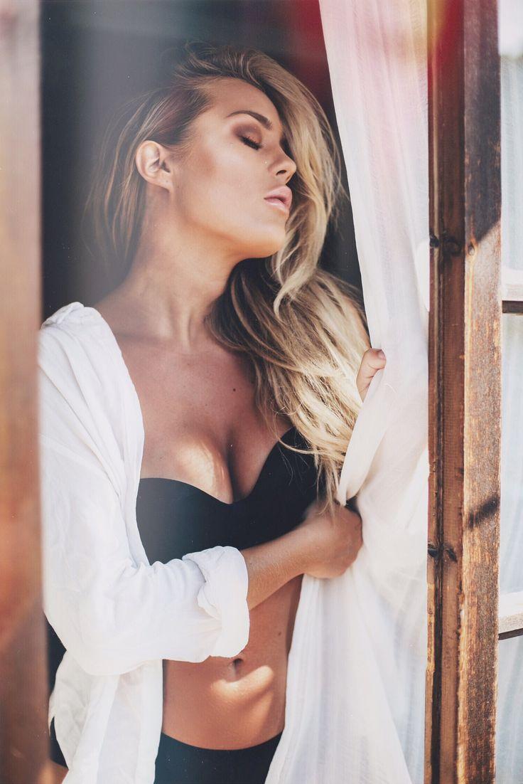 Angelica Blick #intimissimi #ItalianLingerie #lingerie #straplessbra #bra #bandeaubra #AngelicaBlick