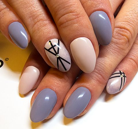 Created by: Lacogel 489: https://elarto.pl/lakierozel-kolorowy-z-brokatem/7193-elarto-lakier-hybrydowy-lakierozel-kolorowy-lacogel-hybrid-nail-color-nr-489-szary-jasny-15ml.html Lacogel 531: https://elarto.pl/lakierozel-kolorowy-z-brokatem/14062-elarto-lakier-hybrydowy-lacogel-nr-531-pudrowy-roz-7ml.html #nails #grey #beige
