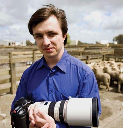 Aaron Smale - photojournalist