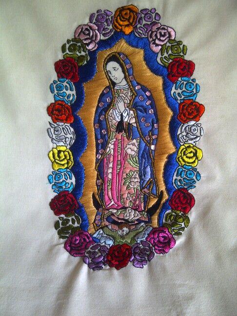 Virgen de Guadalupe bordada a mano