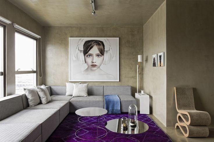 Apartamento revestido com concreto tratado.  https://www.homify.com.br/livros_de_ideias/30834/ape-ultra-moderno-feito-apenas-de-concreto