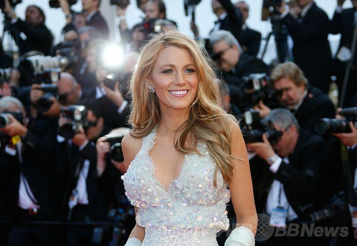 第67回カンヌ国際映画祭(Cannes Film Festival)のコンペティション部門映画『Mr. Turner』の上映会に駆けつけた米女優のブレイク・ライブリー(Blake Lively、2014年5月15日撮影)。(c)AFP/VALERY HACHE ▼16May2014AFP|【写真特集】第67回カンヌ国際映画祭 http://www.afpbb.com/articles/-/3014951 #Cannes_Film_Festival #Blake_Lively