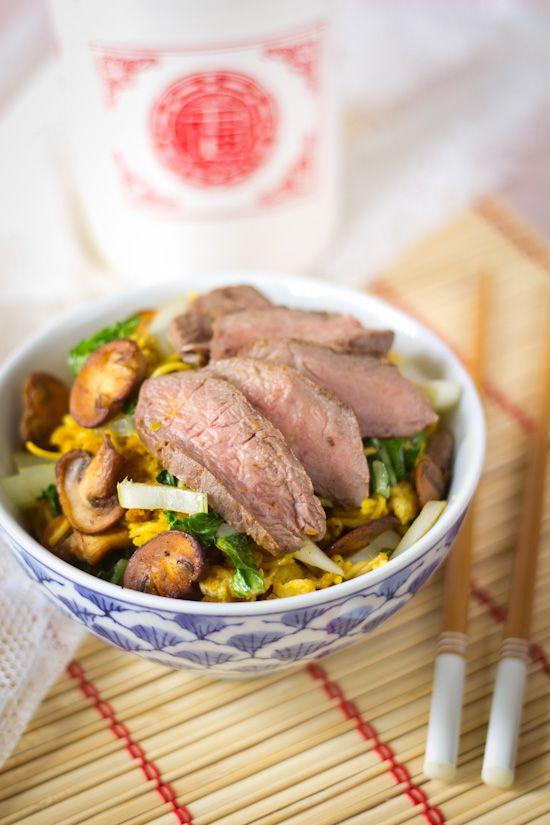 Boemboes. De Aziatische keuken kan niet zonder. En sinds ik heb ontdekt dat ze super makkelijk met de staafmixer zijn te maken, ben ik fan. Het is misschi
