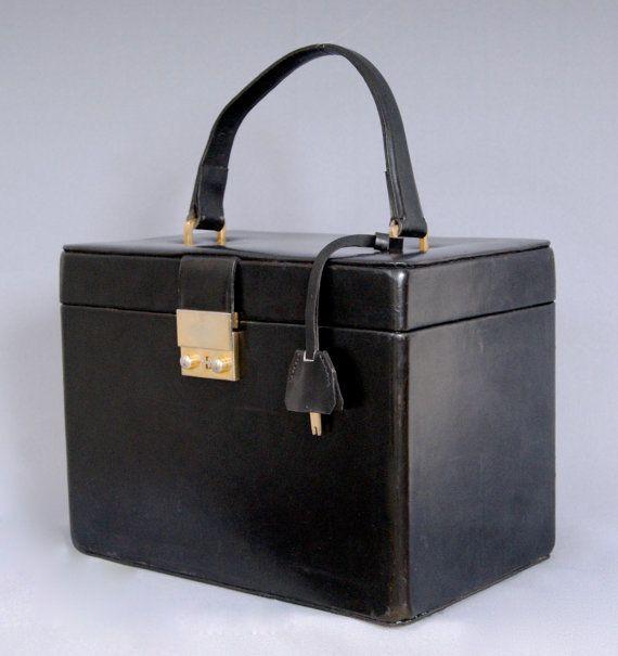 Vintage 1970s Pure Leather Vanity Case Box Bag Flight Case On Board Bag With Original Key and Bottle