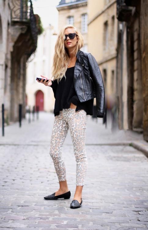 Adenorah in leopard jeans