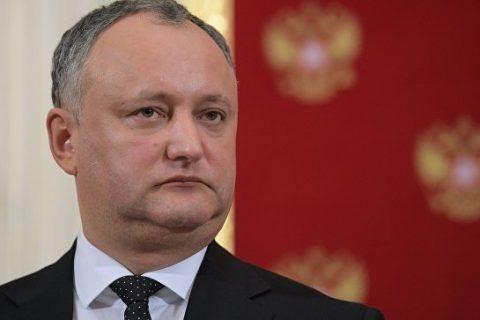 Moldova prezidenti ölkəsini Avrasiya İttifaqına tərəf dartır