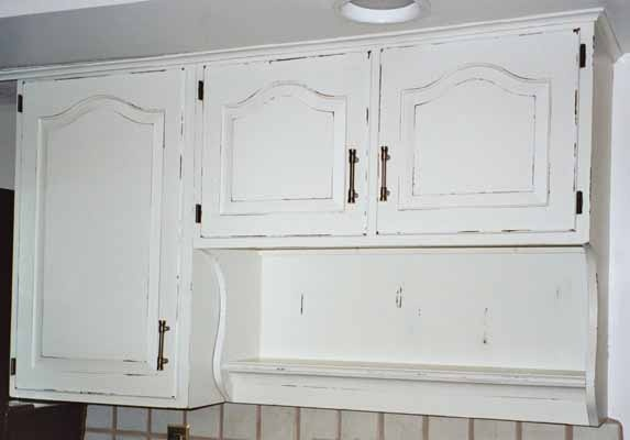 Distressed white kitchen cabinets crowdbuild for for Kitchen cabinets distressed white